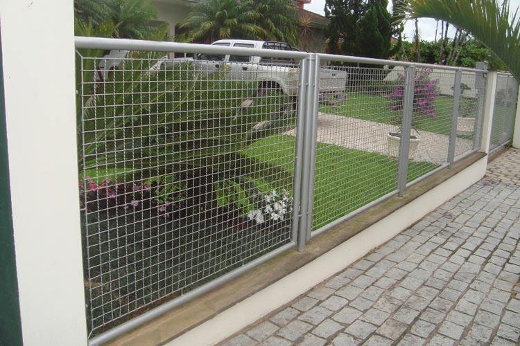 Utilizada em cercas, portão, grade fixa, proteções